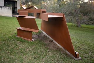 Anthony Caro, Sidestep 1971, synthetic polymer paint on steel and cor-ten steel, 147.5 x 129.5 x 292 cm, Heide Museum of Modern Art, Gift of Tom and Sue Quirk 1998 Courtesy of the artist. Photograph: Jeremy Weihrauch, © the artist